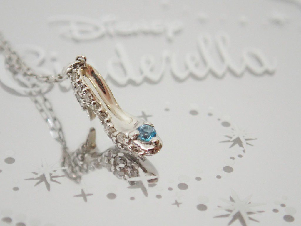 ディズニーシンデレラ☆プラチナ製ガラスの靴ペンダント再入荷しました♪