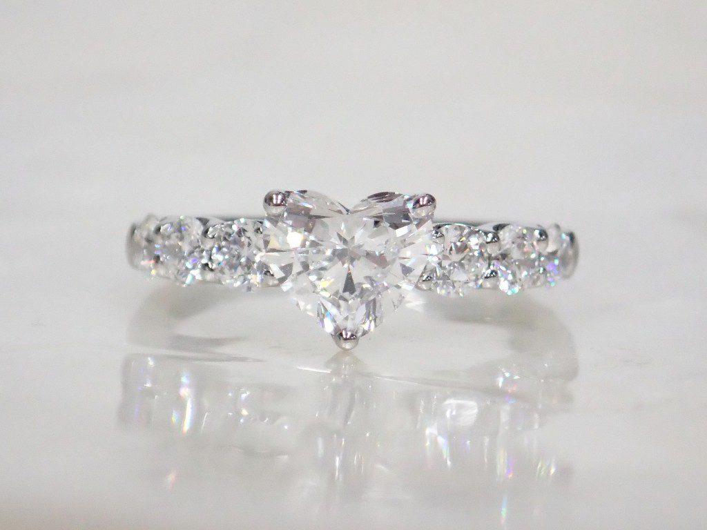可愛いハートシェイプダイヤモンドリングが入荷しました♪