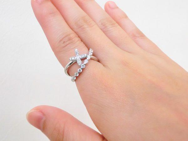 人差し指にダイヤモンドリングを身に着けて♪いつもとは違ったおしゃれを楽しみませんか? ファッションジュエリー