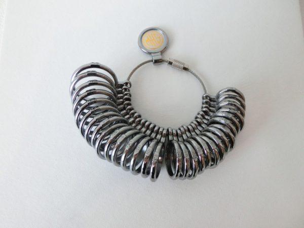 指のサイズの測り方♡💍 結婚指輪 - マリッジリング ブライダル 婚約指輪 - エンゲージリング 婚約指輪&結婚指輪 - セットリング その他
