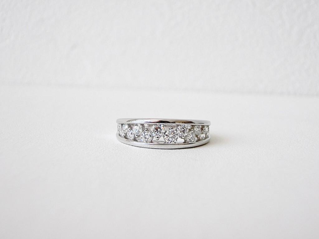 お出掛けにもピッタリ♡デュアンスのきらきらダイヤモンドリング