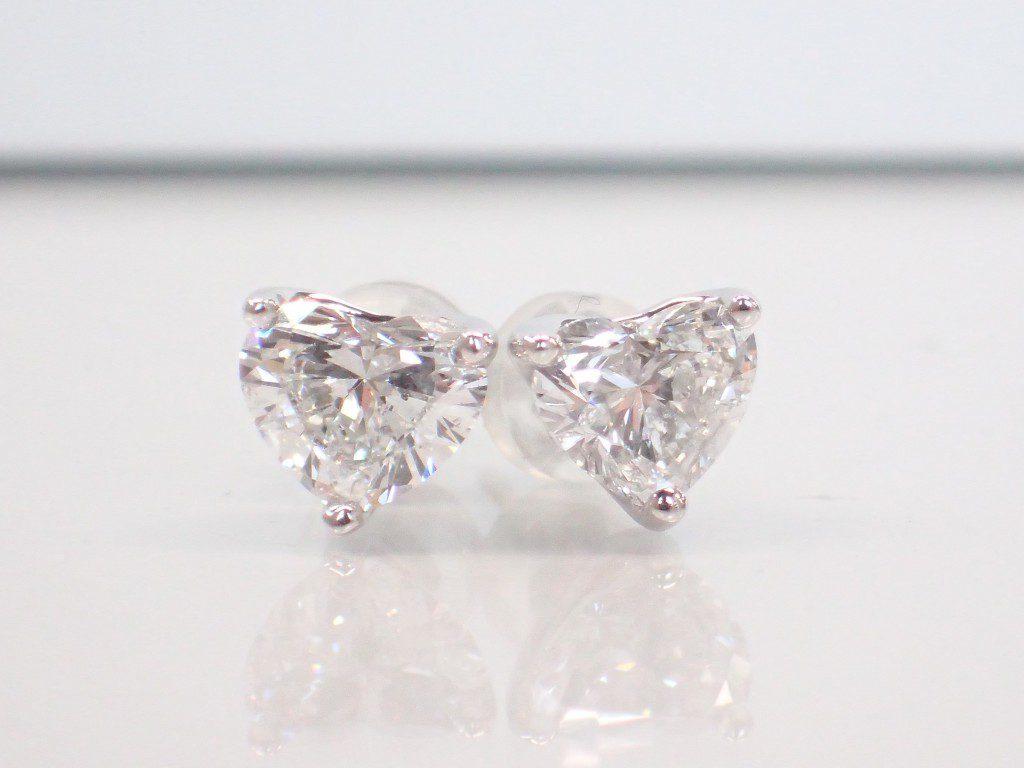 耳元にハートダイヤモンドを♡