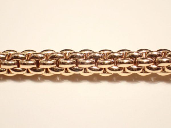 時計と重ね付けでゴージャスに☆FOPEのゴールドブレスレット ファッションジュエリー