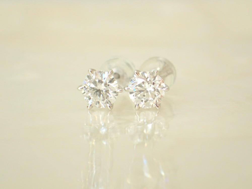 お客様リクエストのダイヤモンドピアス☆お好みのデザインでお作りします♪