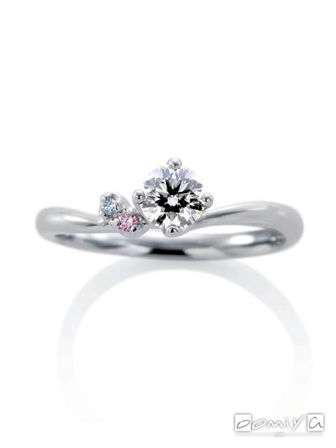 カフェリング|婚約指輪(エンゲージリング) ローブ ドゥ マリエ デュー - CEA057X