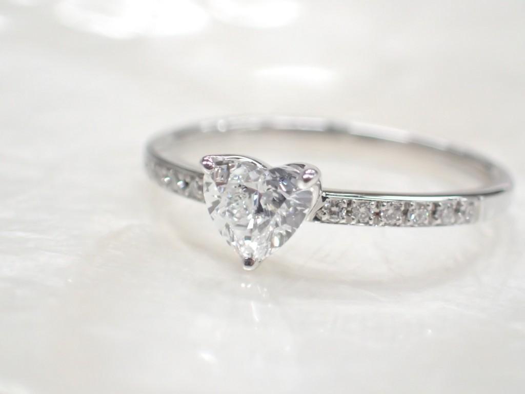 クリスマスイブにプロポーズ☆ハートシェイプのダイヤモンドリングが入荷しました♪