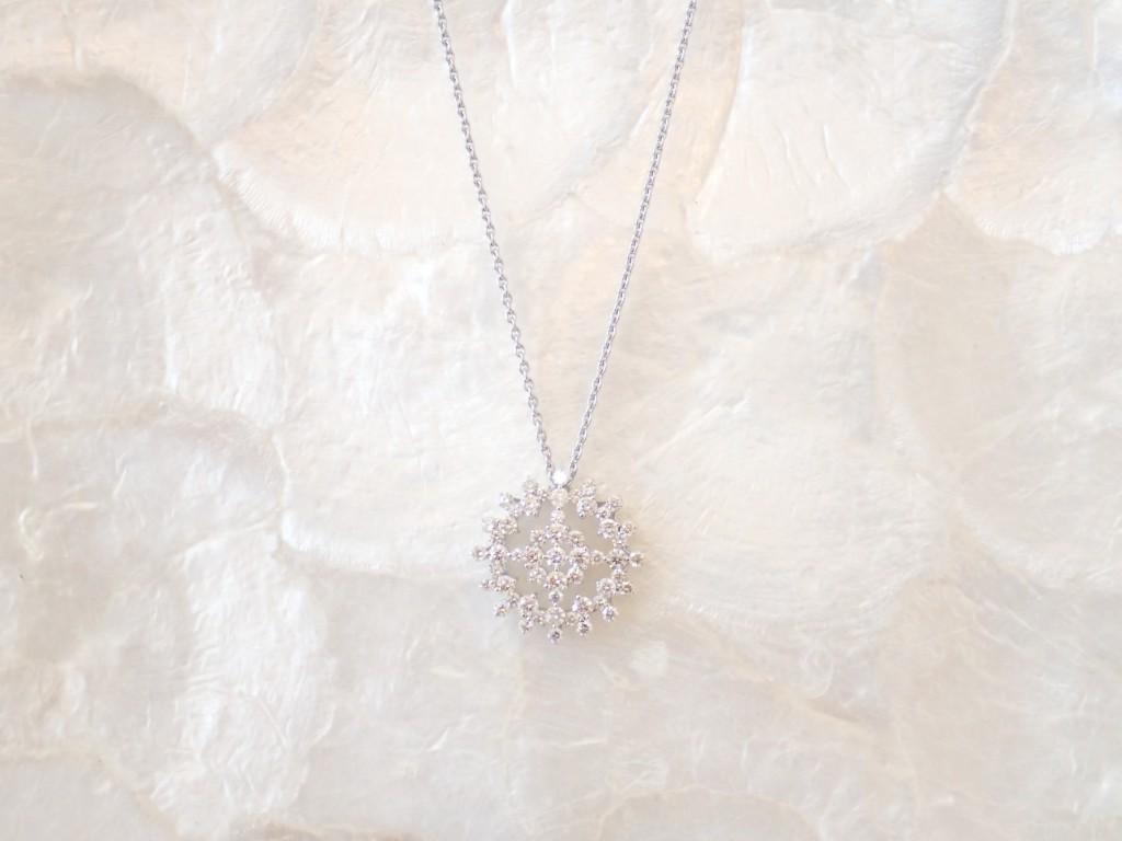 冬の花火を想わせるダイヤモンドネックレスが入荷しました♪
