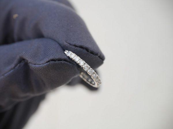 キラっと輝くダイヤフープピアスとIWCポートフィノで大人コーデ ファッションジュエリー