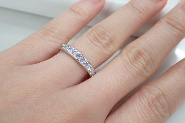 大切な記念日に一生モノのリングを身に着けて。エタニティリングはフラージャコー 結婚指輪 - マリッジリング ブライダル 婚約指輪 - エンゲージリング 婚約指輪&結婚指輪 - セットリング イベント・フェアー