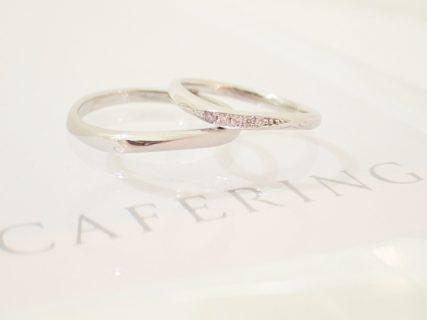"""ピンクダイヤがグラデーションでセッティング!カフェリングの""""大人可愛い""""結婚指輪"""