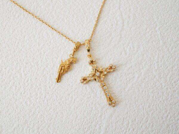 ローリーロドキンのピストルモチーフのネックレスが珍しくて可愛い♡ ファッションジュエリー ローリーロドキン