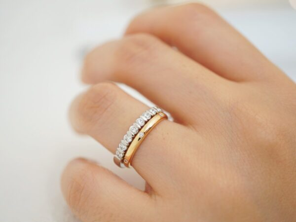 大切な節目にはエタニティリングを選びませんか? ファッションジュエリー 結婚指輪 - マリッジリング ブライダル 婚約指輪 - エンゲージリング