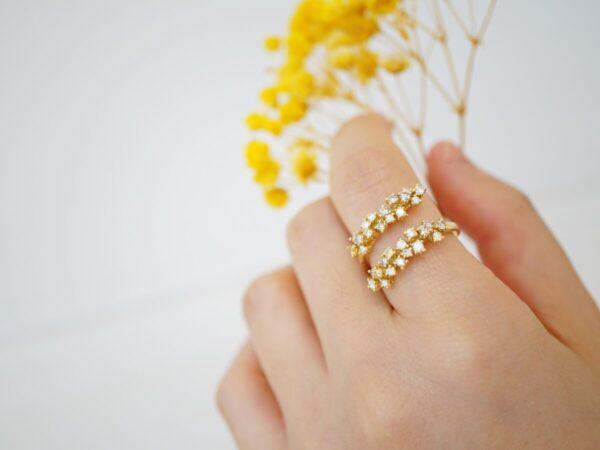 ミモザの花をイメージ?手元で咲き続けるダミアーニのミモザコレクション ダミアーニ