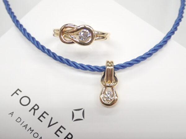 フォーエバーマークのコードネックレスとリングでアイテム違いのペアコーデ☆ ファッションジュエリー フォーエバーマーク